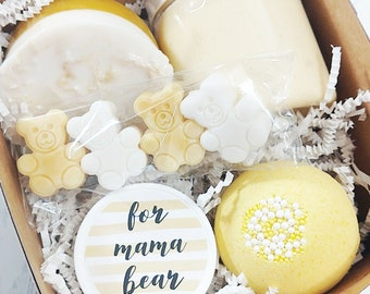 New Mom Gift. Expecting Mom Gift Set. Spa Gift Set. MAMA BEAR Bath bomb Gift Set. handmade soaps Sunbasilgarden. new baby gift. Baby shower