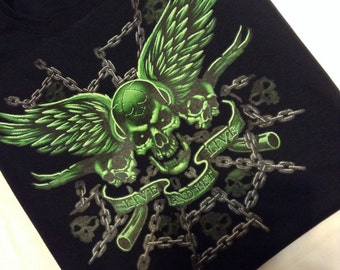 Live and let live Skull with wings t-shirt mens