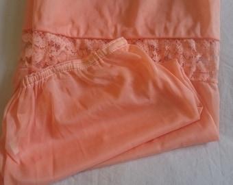 Half Slip Petticoat from the 1960s (size 10-12 Aus/UK & 5/US)