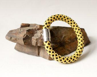 Climbing Rope Bracelet in Yellow & Black. Rope Jewelry. Statement Bracelet. Cord Bracelet. Aztec Bracelet. Unisex. Sportsmen. Climbers Gift