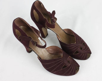 Kitty Kelly 1930's / 1940's Maroon Red Suede Heels Ankle Strap Women's Size 5.5 M Pinup Swing Dance Lindy Hop
