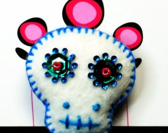 Sugar Skull Wool Felt Pin - White