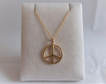 18ct Gold over Sterling Silver Peace Pendant & Chain.