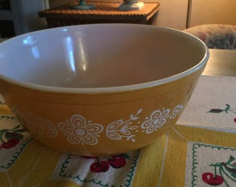 Vintage Pyrex Butterfly Gold Mixing Bowl 2.5 Qt. #403