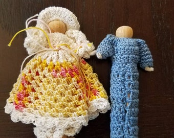 Adorable Vintage Clothespin Doll Couple with Crocheted  Clothes