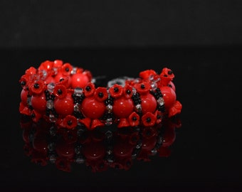 FT122 10MM Red Beads with Czech Flowers Bracelet, Size 8