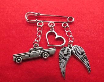 Supernatural Destiel kilt pin brooch (38mm).