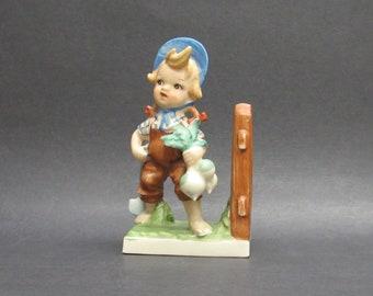 Vintage Little Boy Gardening Turnips Bookend (E10131)
