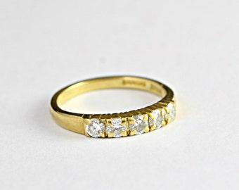 Diamond ring in 18 carat gold 5 stone handmade ring for her