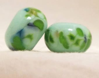 Vic's Glass Creations - Green Day - handmade lampwork bead pair - SRA