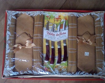 Vintage Gift Set, 4 pure Linen napkins, 4 inortd placemats, 4 fo stag handle steak knives by Barth and Dreyfess of Calf.