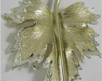 Sarah Coventry Maple Leaf Brooch