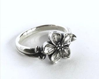 Forget Me Not Botanical Flower Ring