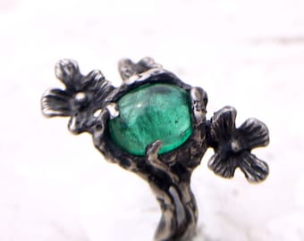 Natural Emerald Cab Sterling Silver Cast  Flower Ring Size 7