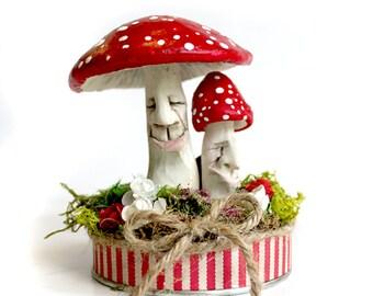 Happy Toadstool Friends