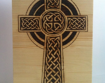 Celtic cross pyrography with fire in wood (outlet)