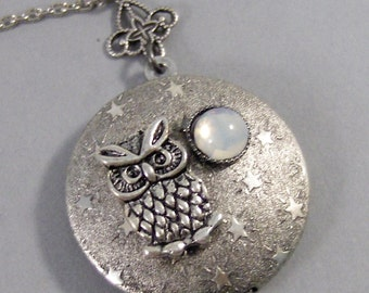 Midnight Owl,Owl,Locket,Silver Locket,Silver Necklace,Owl,Silver,Moonstone,Moonstone Necklace,Moonstone locket,Moonstone,valleygirldesigns.