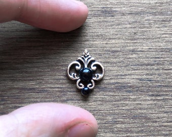 Black mermaid - face jewellery - body jewellery face pearls - black accessories -gothic bindi