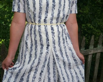 Gorgeous little 1960s belted Off White and Blue Day Dress XL to Plus Size
