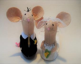 Felt Mice Wedding Cake Toppers, Wedding Accessory, Church Mice, Felt Mice
