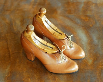 vintage Edouard Jerrold brown leather oxford heels / rare 70s designer shoes / size 5