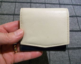 Leather Purse. White navy green leather purse. Coin Purse