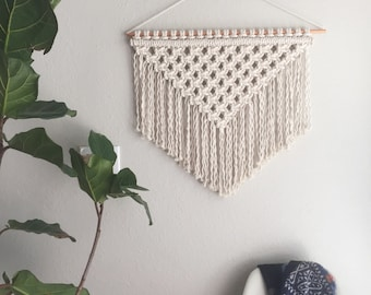 Macrame Patterns/Macrame Pattern/ Macrame Wall Hanging Pattern/Wall Hanging Pattern/DIY Macrame /Name: Square Knot Triangle