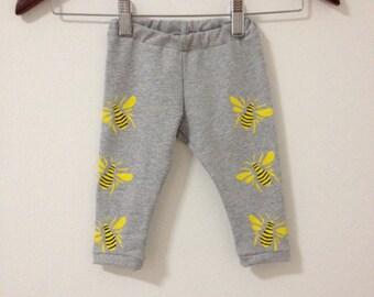 Bees baby leggings, Handmade baby leggings, Size 6-9MONTHS, Baby girl clothing, Grey leggings, Baby boy leggings, Printed pants, Bee print