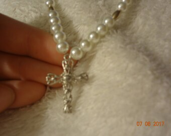 "7"" beaded cross necklace"