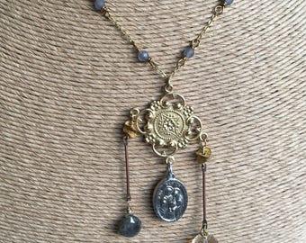 Statementkette, viktorianischen Stil, baumeln Halskette, Rauchquarz Perlen, Labradorit, katholischen Medaille, Citrin Perle Perlen,