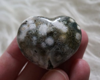 Natural Polished Spotted Ocean Jasper Crystal Heart Worry Stone with Druzy Quartz Inclusion Home Decor Rock Stone Minerals Gemstones