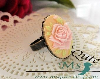 Romantic Rose Ring - creamy pink