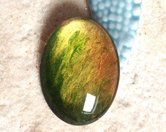 Hand painted cabochon 40 X 30 mm Green and gold / cabochon oval glass Magnifier