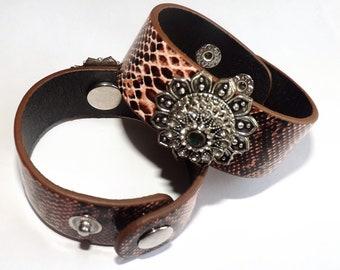 Bracelet: Brown Leather Flower