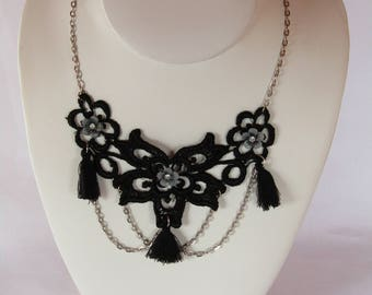 Necklace Black Lace and flowers