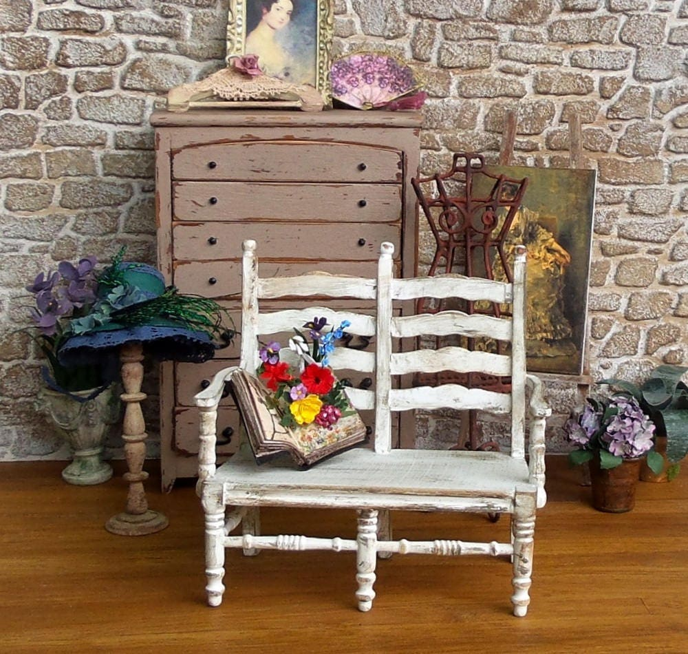 Miniature Furniture Sofa Provence Miniature Wooden Bench Finish Shabby  White, Collection 1/12 Scale Dolls House Furniture