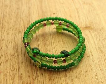 Green glass bead memory wire bangle bracelet