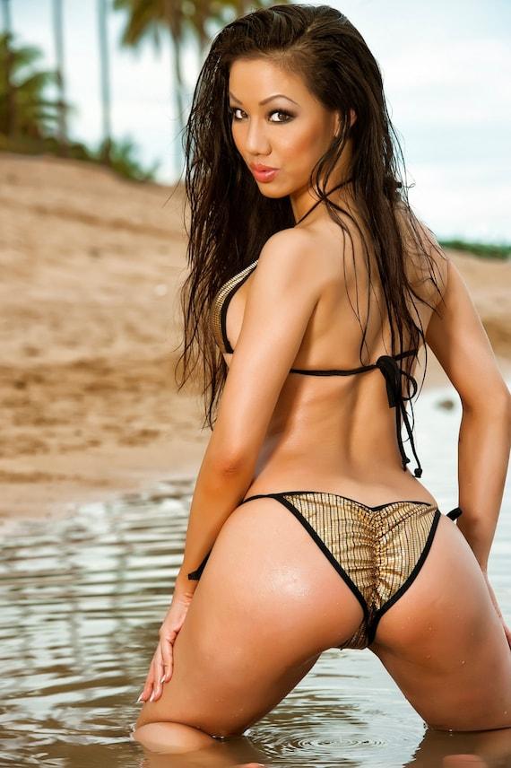 brazilian-rainbow-striped-bikini-worlds-hottest-girl-naked