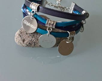 Blue bracelet with personalized engraving