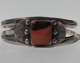 VINTAGE NAVAJO INDIAN stamped lines silver petrified wood bracelet