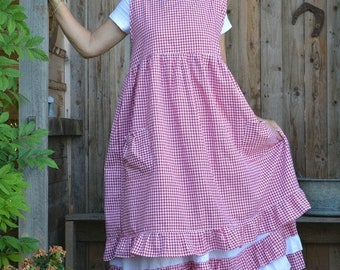 Camellia red gingham apron