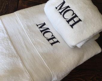 Monogrammed Towel Set Bath Towel personalized towel set great for wedding gift housewarming christmas gift home decor