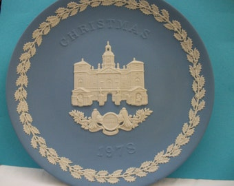 Wedgwood Jasperware 1978 Wedgwood Christmas Plate  Great Mothers Day,Fathers Day or Graduation or Wedding Gift