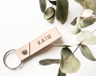 Foil stamped personalised leather keychain, custom keychain, housewarming gift, bridesmaid gift, gift for her, wedding gift,best friend gift