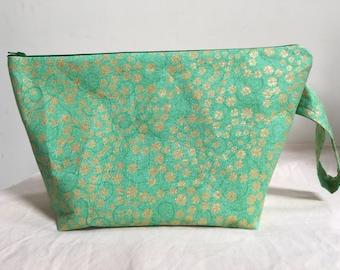 Knitting Project Bag, Sock Bag, Project Bag, Small Project Bag, Zipper Bag, WIP, St. Patricks Day Project Bag, Shamrock Project Bag
