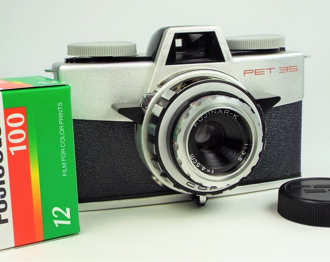 Rare Near Mint 1959 Fuji Pet 35 Film Camera - Excellent Original Leather Case / Works Perfectly - Fully Tested with Film - Bonus Fujicolor!