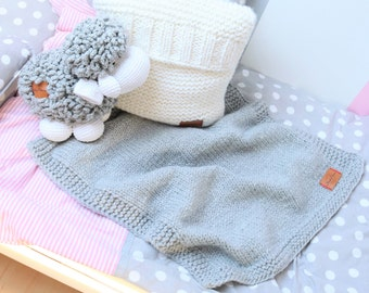 Warm Chunky Gray Plaid Blanket Thick Alpine Yarn, Handmade Knitted Blanket, PomPom Plaid, Tassel Blanket, Fringe Plaid