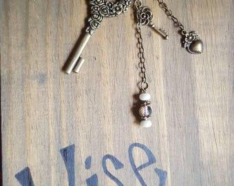Skeleton key dangle keychain flowers
