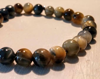 Bracelet with Tiger eye stones.