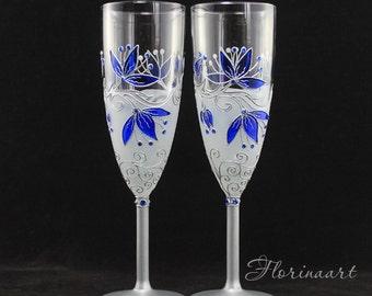Blue wedding glasses, Blue wine glasses, Blue champagne glasses, Hand painted glasses, Blue Flower glasses